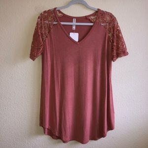 NWT Antique Rose Lace Sleeve Top